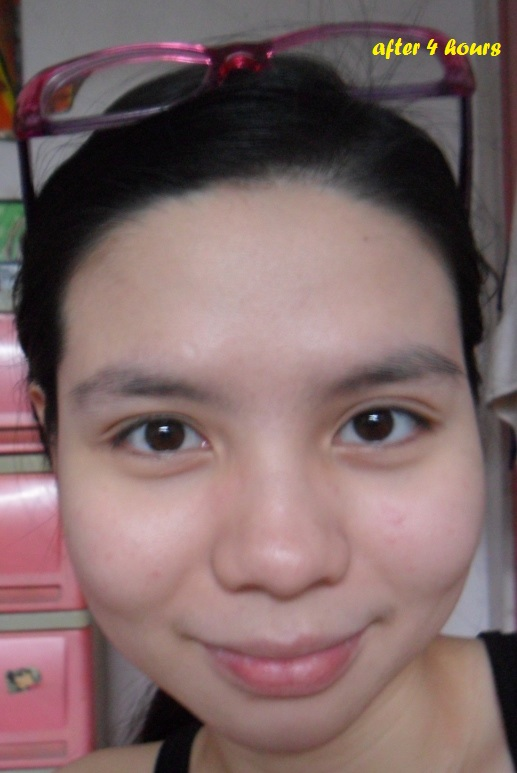 (c) sweetandlovelygirl.wordpress.com- after 4 hours with Maybelline foundation under room temperature